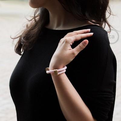Narukvica iz tekstilnog kabela RM16, Baby Pink. Drveni podesivi držač. Izrađeno u Italiji