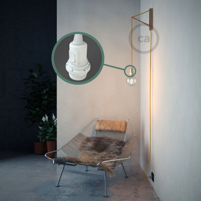 """Kreirajte svoju viseću lampu """"Zmija"""" za sjenilo RM10 Žuti rajon i unesite svjetlo gdje god želite."""