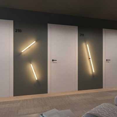 Fermaluce Syntax, moderna reflektor lampa navoja S14d i drvenom ovalnom stropnom rozetom.